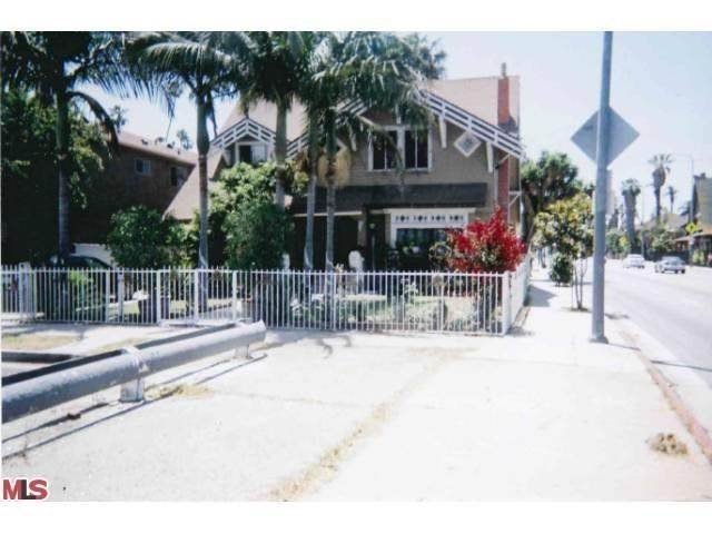 2388 W 23rd Street, Los Angeles, CA 90018 MLS #13674093  Photo 1