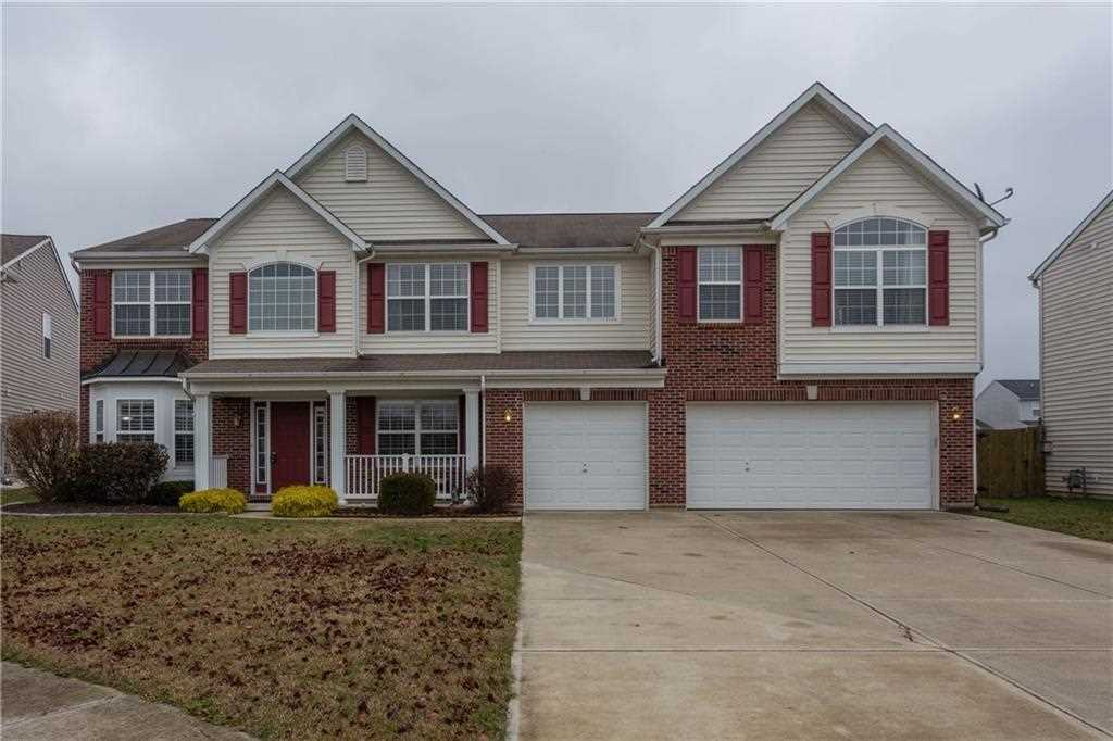 3655 Pickwick Circle Plainfield, IN 46168 | MLS 21529224 Photo 1