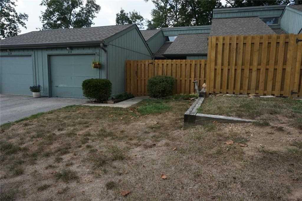 218 Sugarwood Lane Avon, IN 46123 | MLS 21514221 Photo 1