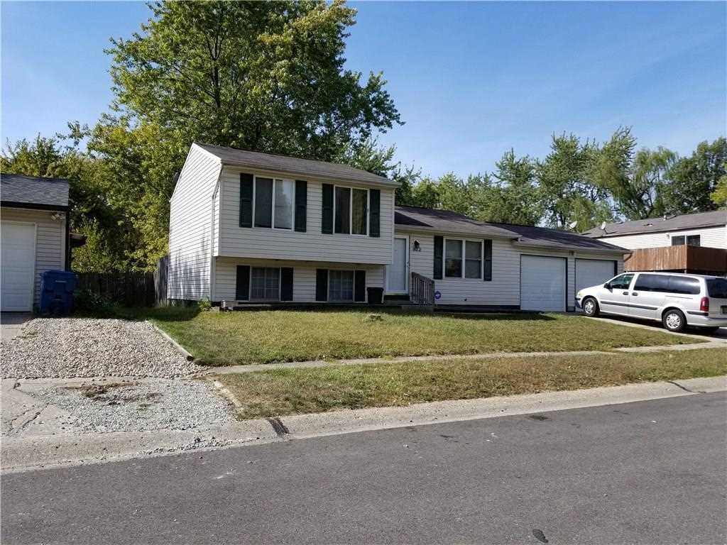 922 Waring Drive E Indianapolis, IN 46229 | MLS 21526244 Photo 1