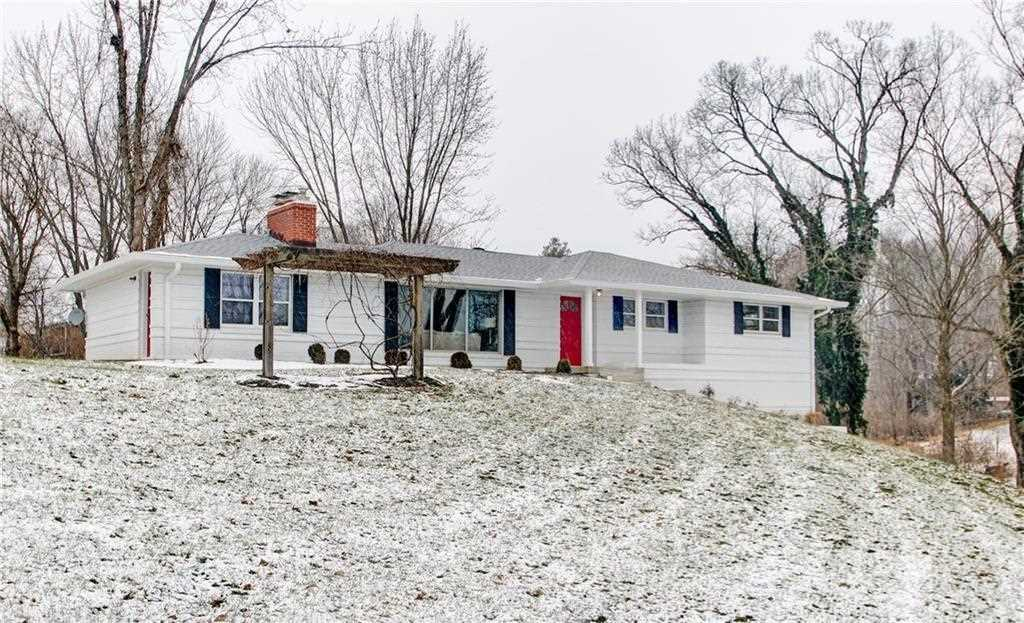5840 N Emerson Avenue Indianapolis, IN 46220 | MLS 21517855 Photo 1