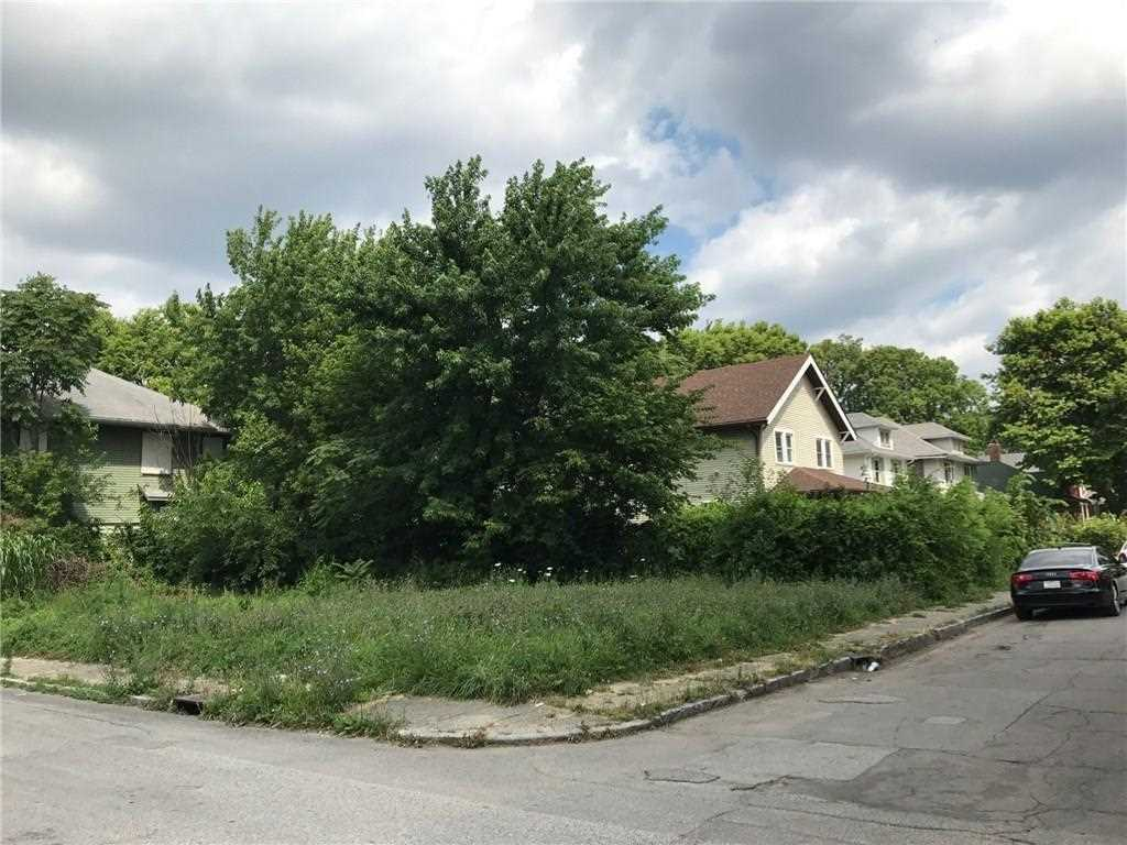 3102 Ruckle Street Indianapolis, IN 46205 | MLS 21494461 Photo 1