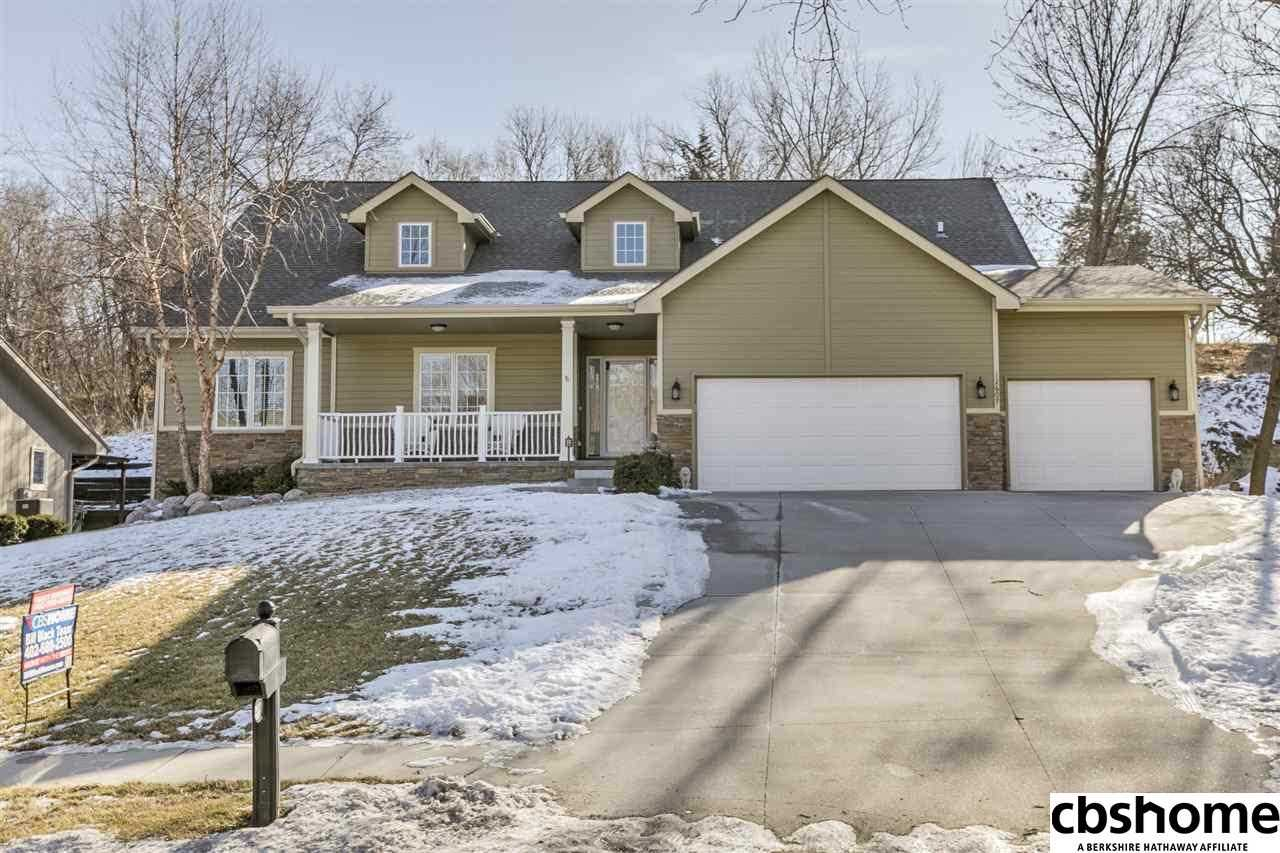 12607 Burt Omaha, NE 68154 | MLS 21801264 Photo 1