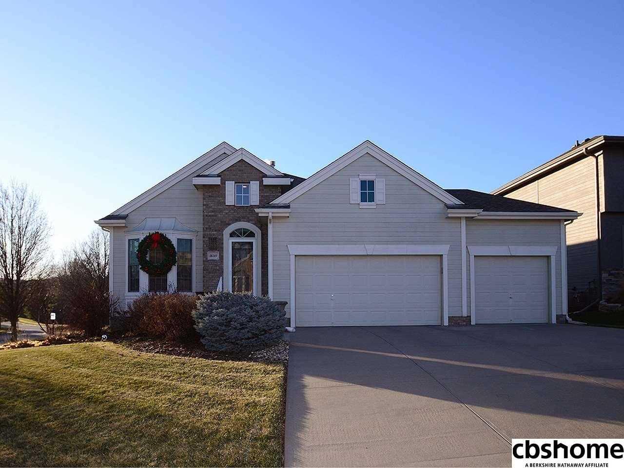 18203 Farnam Omaha, NE 68022 | MLS 21801535 Photo 1