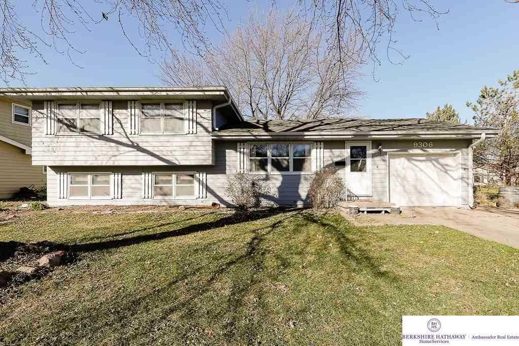 9306 Mockingbird Omaha, NE 68127 | MLS 21801715 Photo 1