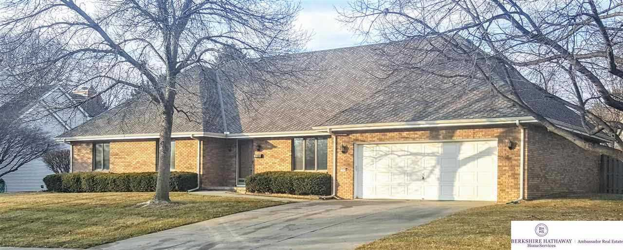 13276 Seward Omaha, NE 68154 | MLS 21801890 Photo 1