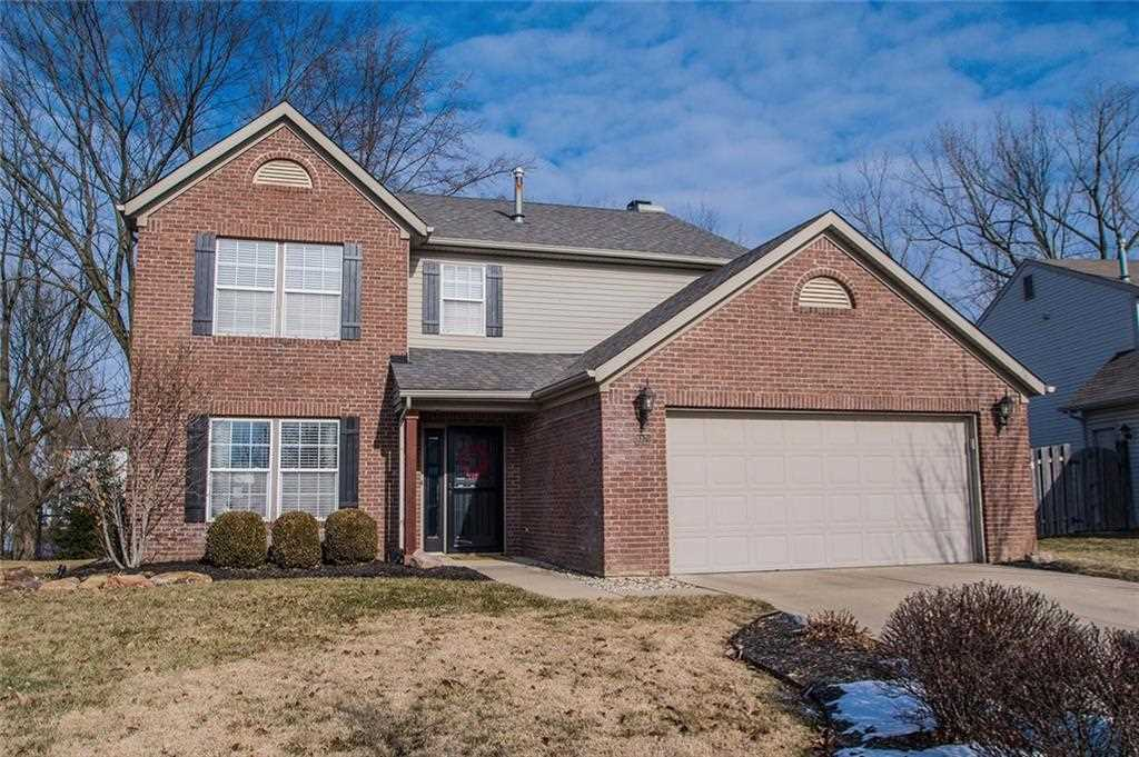8870 Dickinson Ct Fishers, IN 46038 | MLS 21545311 Photo 1