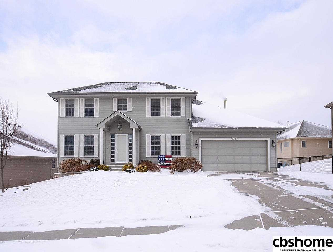 6714 S 164th Omaha, NE 68135 | MLS 21801999 Photo 1