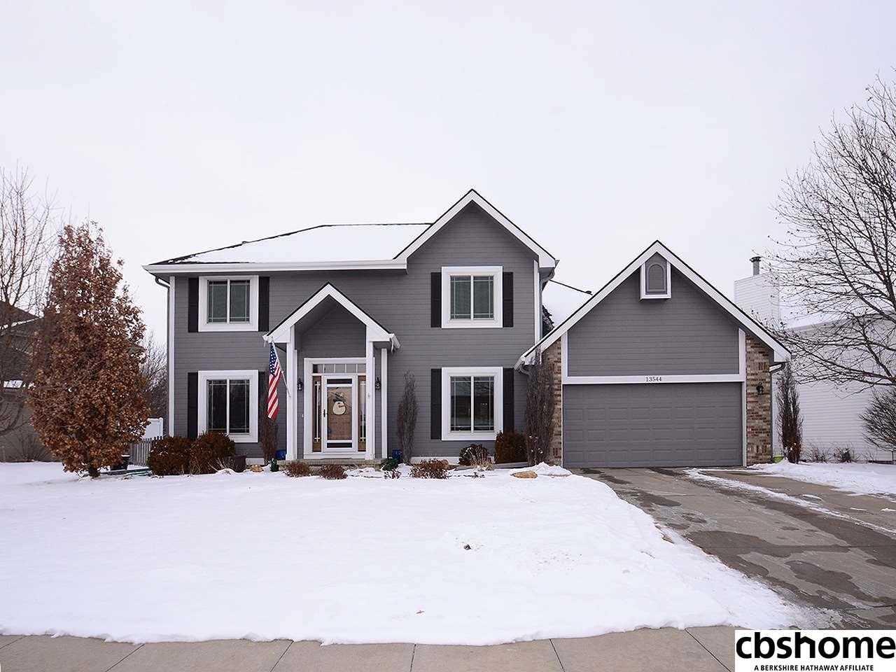 13544 Sahler Omaha, NE 68164 | MLS 21801875 Photo 1