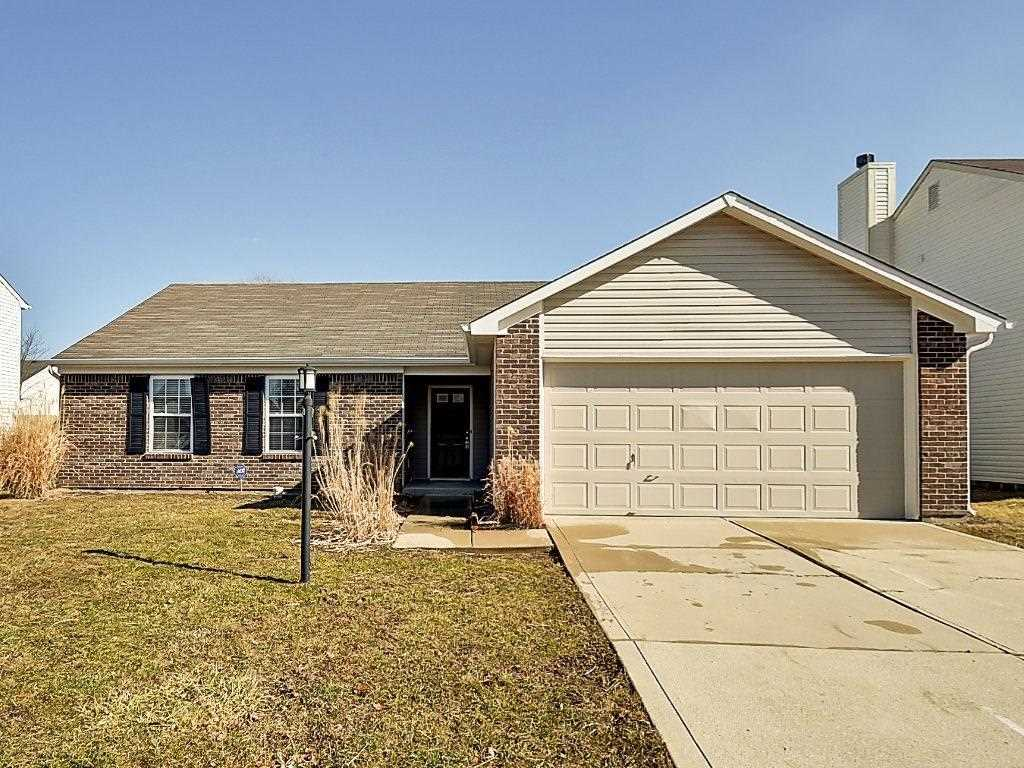 7935 Dillon Place Indianapolis, IN 46236 | MLS 21546160 Photo 1