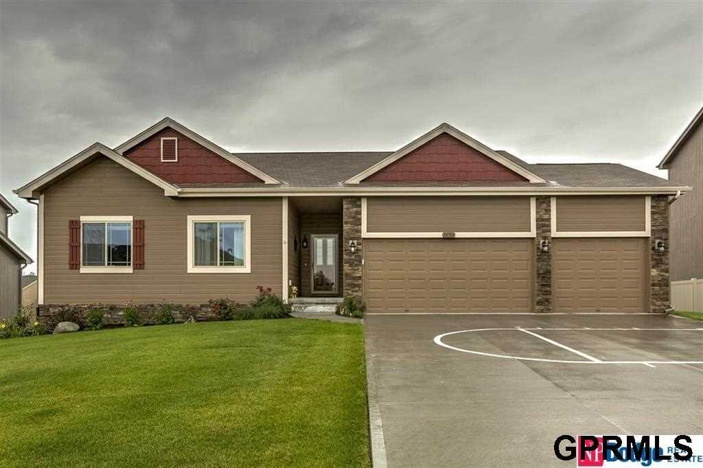 14704 S 22nd Bellevue, NE 68123 | MLS 21802146 Photo 1
