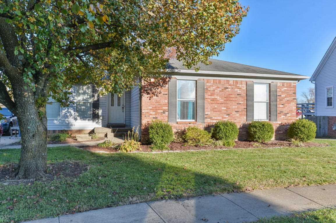 1326 Oak Ridge Ct Simpsonville KY in Shelby County - MLS# 1494242   Real Estate Listings For Sale  Search MLS Homes Condos Farms Photo 1