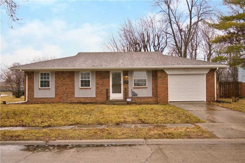 10138 E Sutters Court Indianapolis, IN 46229 | MLS 21546116 Photo 1