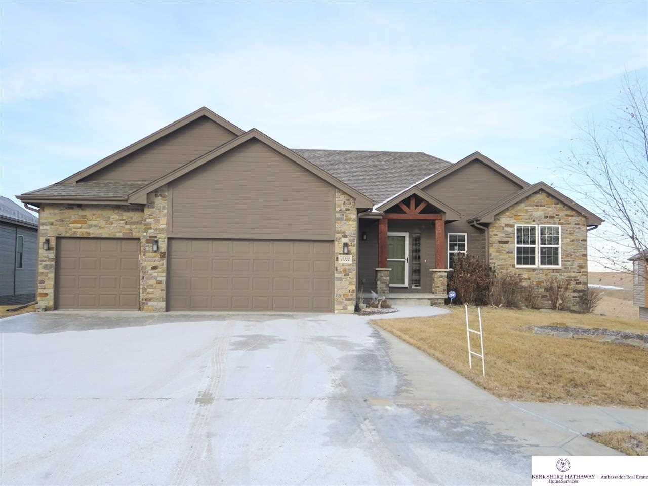 10722 S 215 Gretna, NE 68028 | MLS 21802552 Photo 1