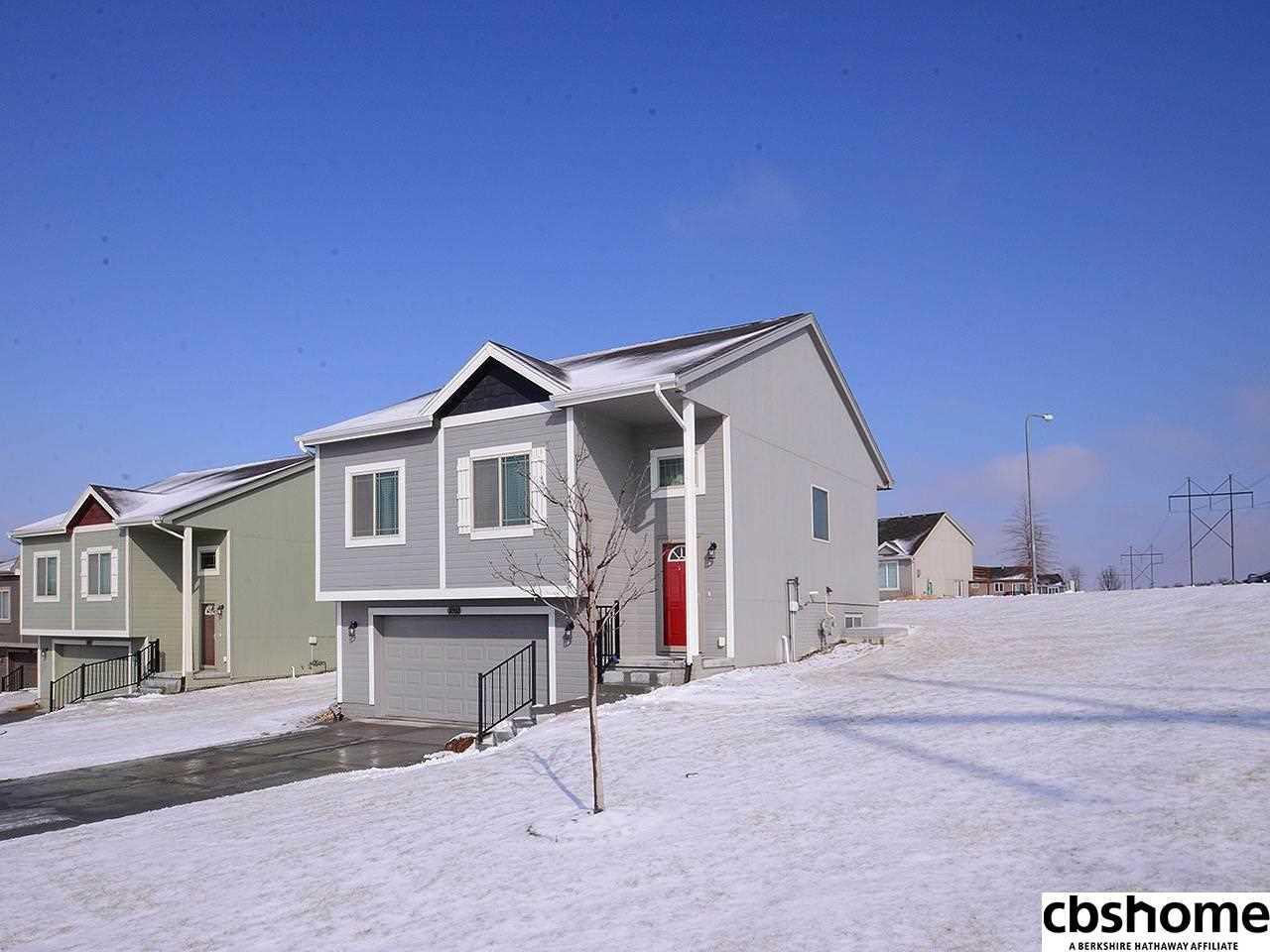 18902 Drexel Omaha, NE 68135 | MLS 21802567 Photo 1
