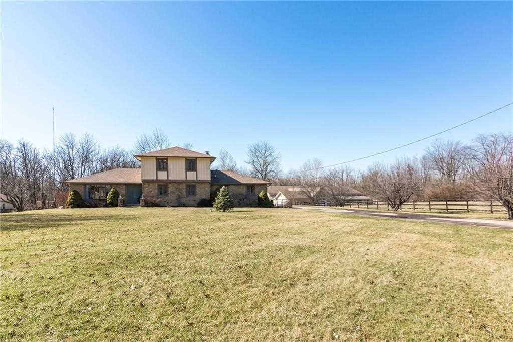130 S Mitthoeffer Road Indianapolis, IN 46229   MLS 21547286 Photo 1
