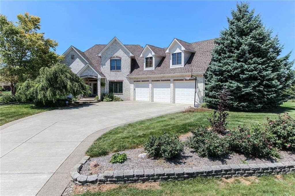 1764 S Fox Cove Boulevard New Palestine, IN 46163 | MLS 21504212 Photo 1
