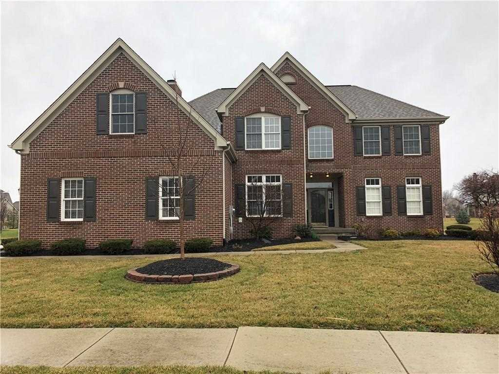 12522 spire view drive fishers in 46037 mls 21548617 for Tradamer style house