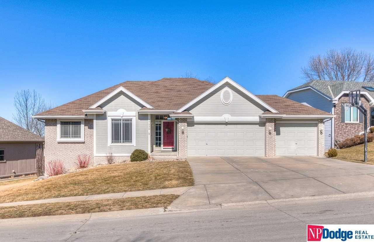 17238 Woolworth Omaha, NE 68130 | MLS 21802987 Photo 1