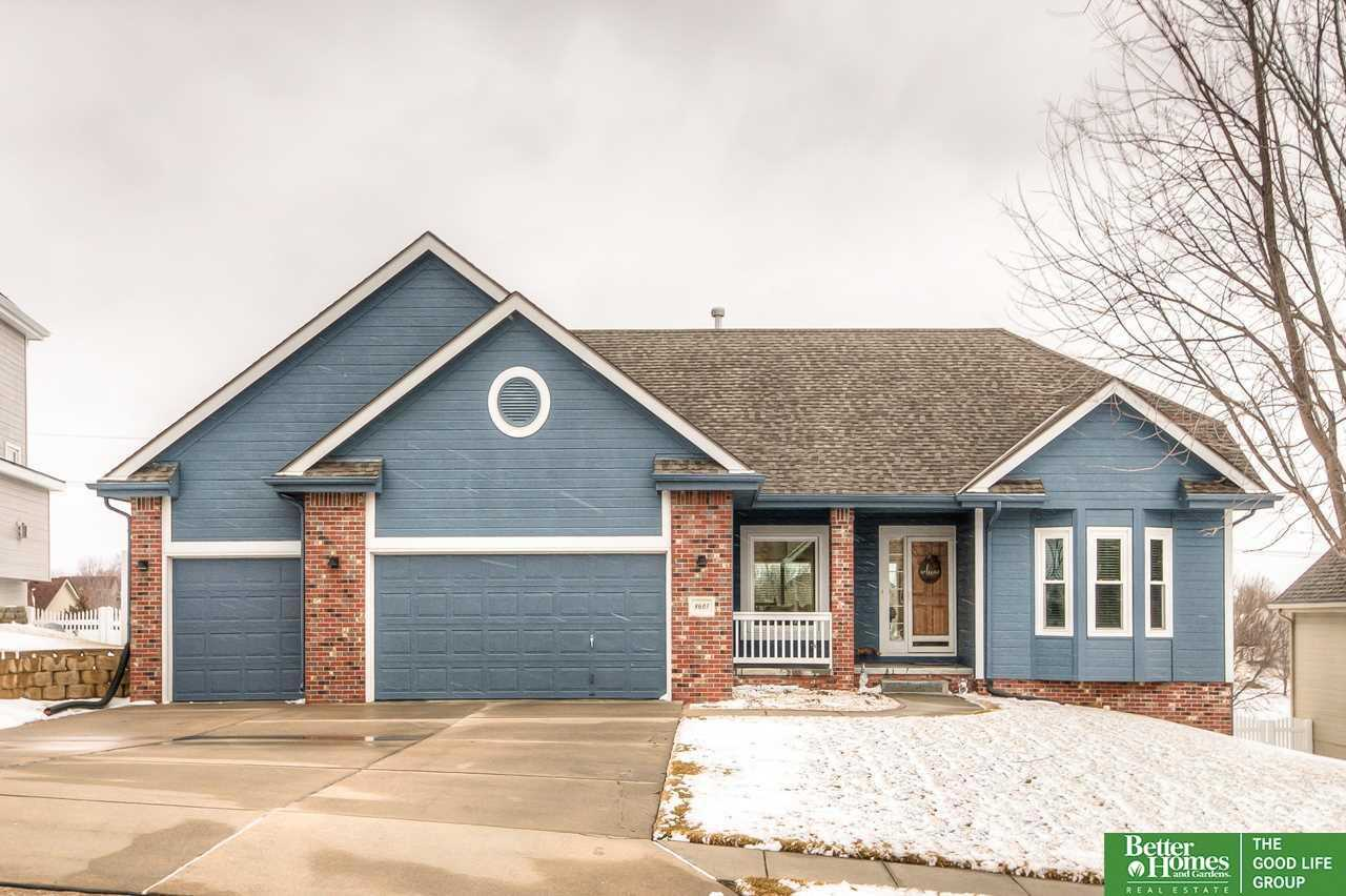 8603 S 97th La Vista, NE 68128 | MLS 21803334 Photo 1
