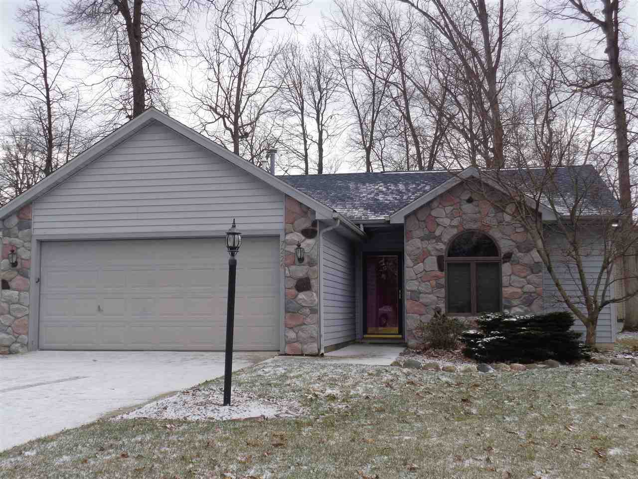 7226 Country Hill Drive Fort Wayne, IN 46835 | MLS 201808543 Photo 1