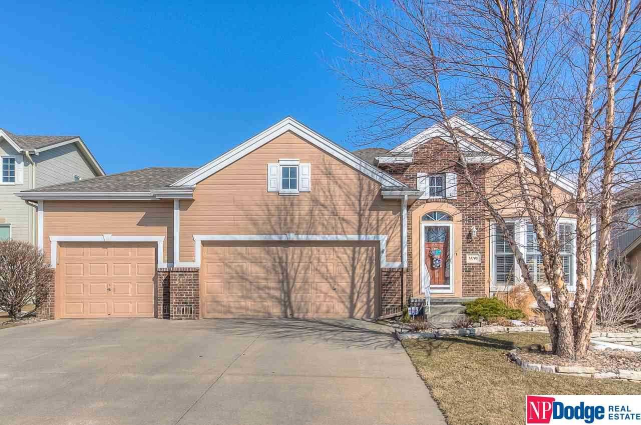 14708 Stone Omaha, NE 68116 | MLS 21803329 Photo 1