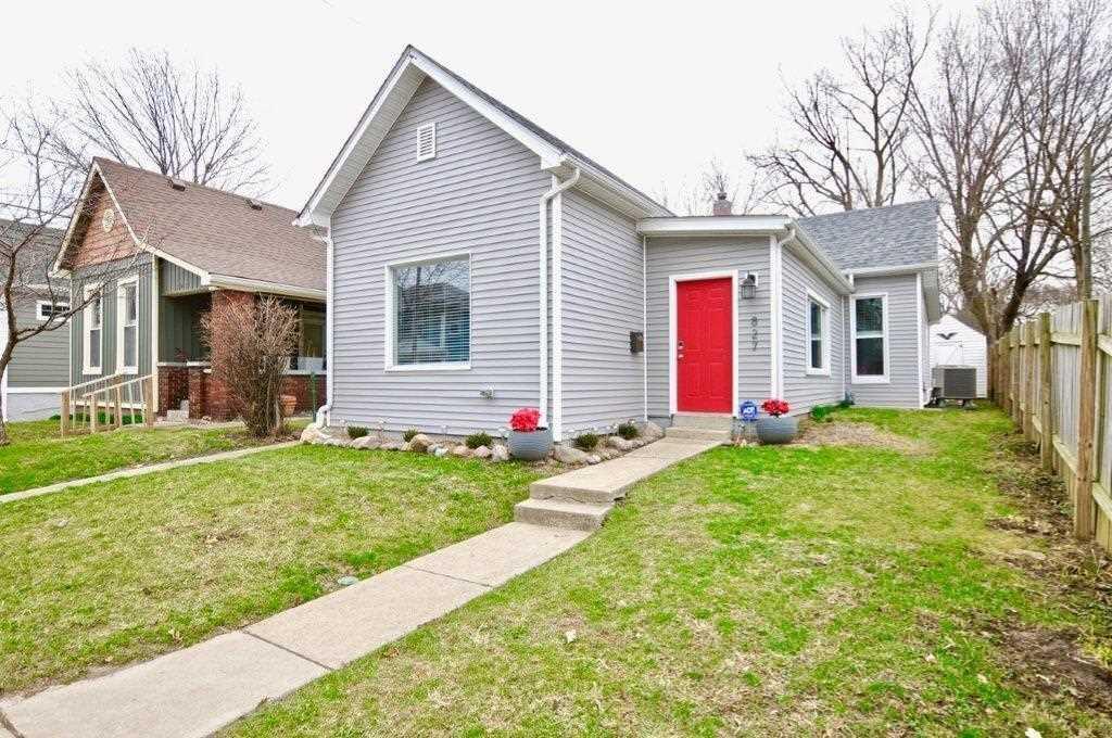 827 Laurel Street Indianapolis, IN 46203 | MLS 21549918 Photo 1