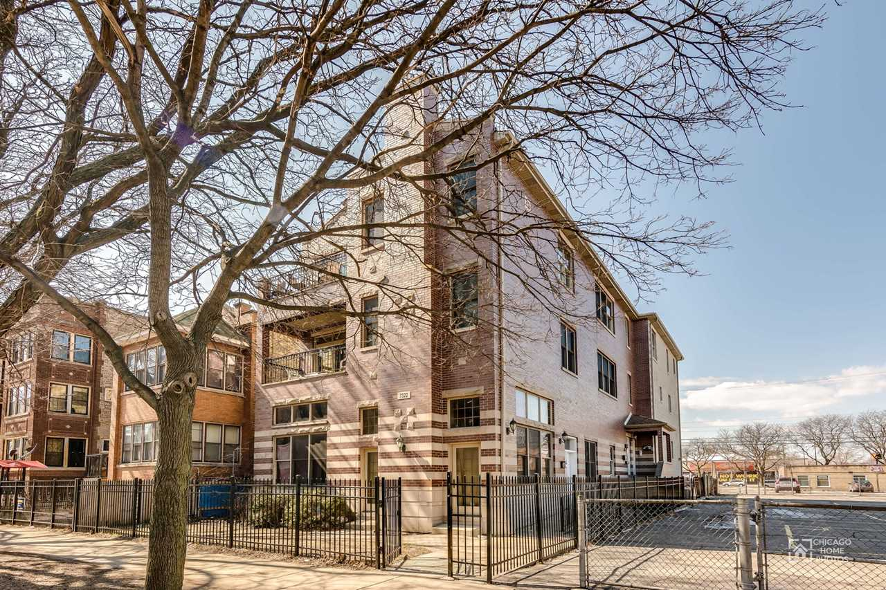 7322 N Claremont Ave #3F Chicago, IL 60645 | MLS 09887974 Photo 1