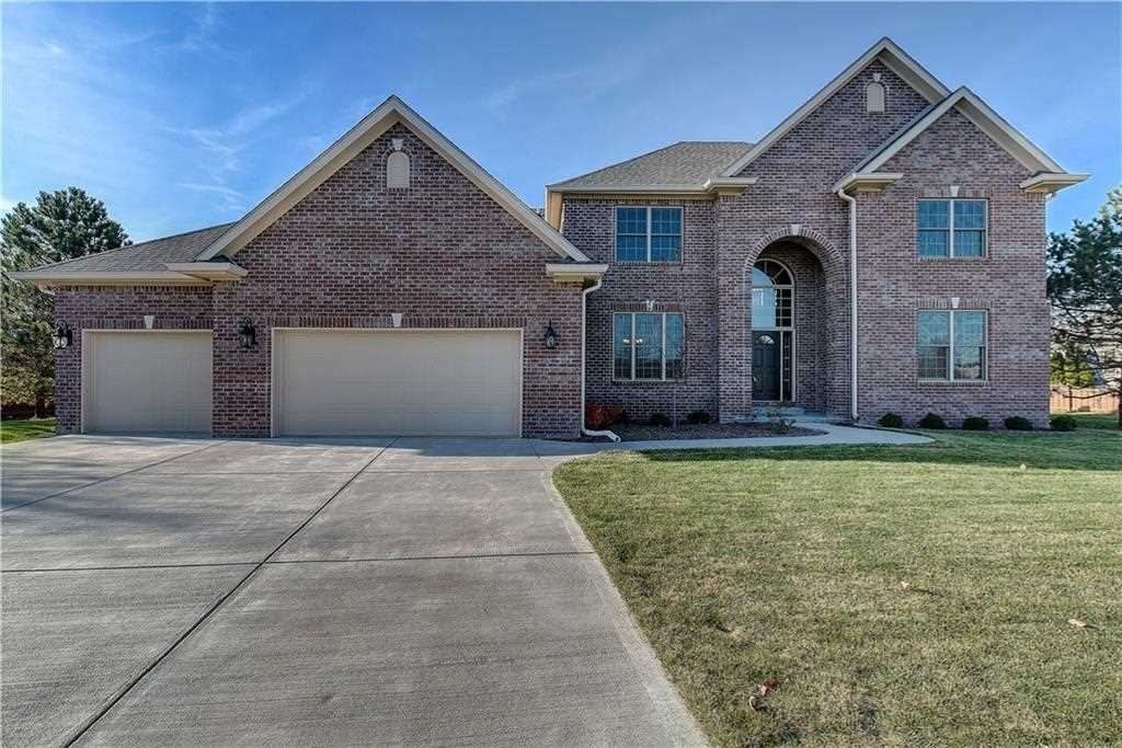 2060 Spring Briar Court Avon, IN 46123 | MLS 21526214 Photo 1