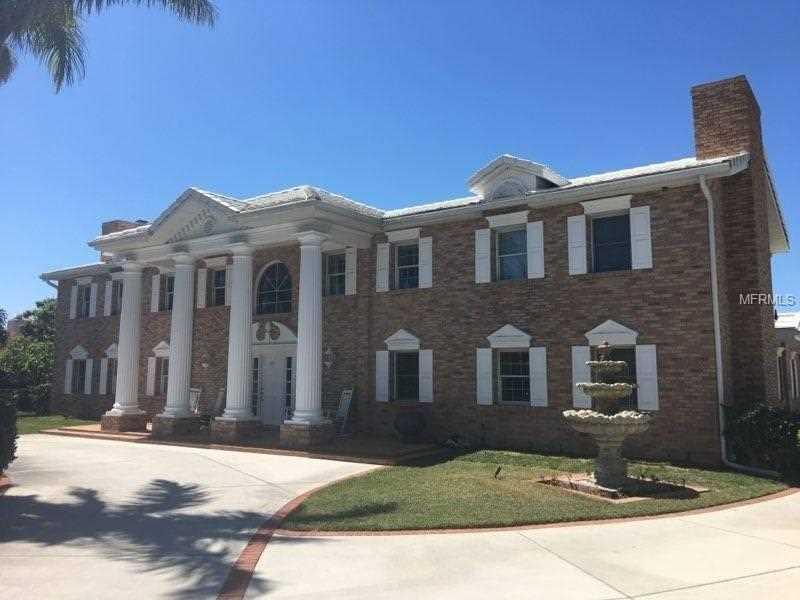 540 N Spoonbill Drive Sarasota, FL 34236 | MLS A4214379 Photo 1