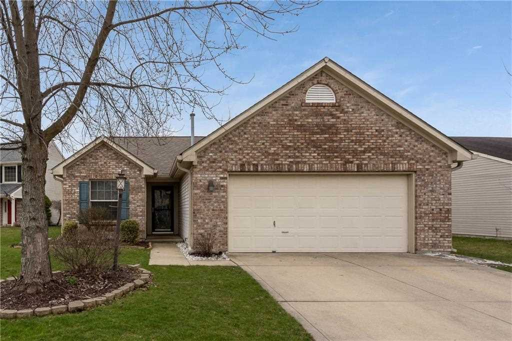 9709 Lucille Court Fishers, IN 46038 | MLS 21555470 Photo 1