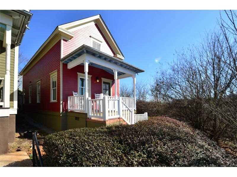 258 Estoria St SE is a homes for sale located in the Cabbagetown community of Atlanta Photo 1