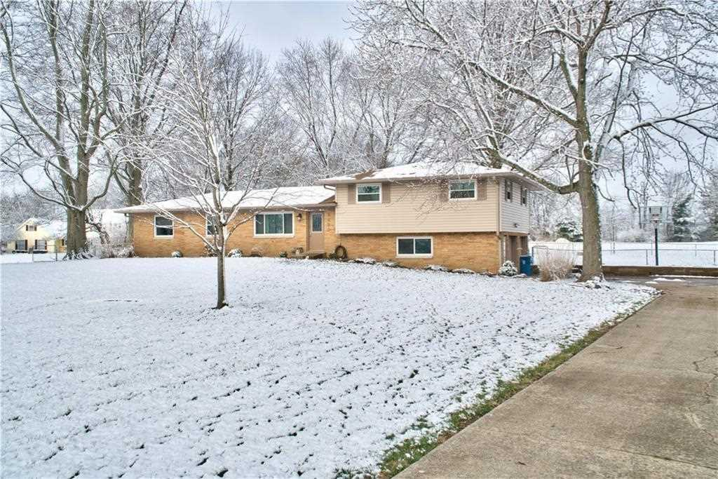 8450 S Franklin Road Indianapolis, IN 46259 | MLS 21556031 Photo 1