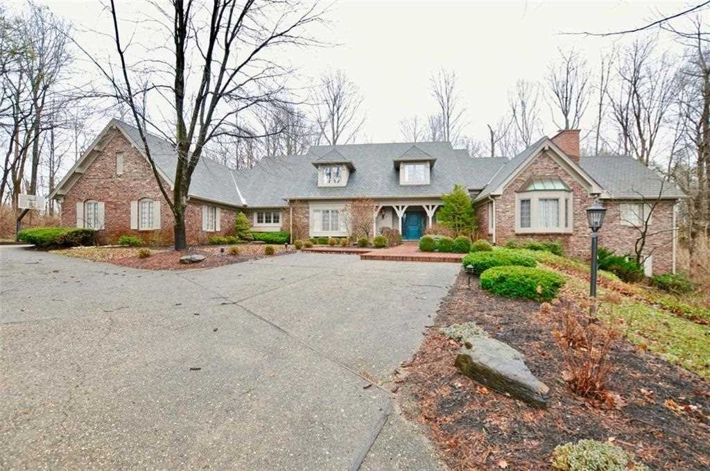 5555 Bay Colony Lane Indianapolis, IN 46234 | MLS 21556531 Photo 1