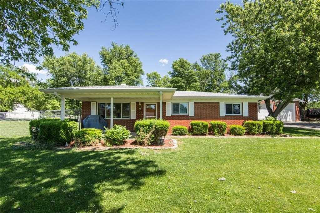 11638 N Division Road Fountaintown, IN 46130 | MLS 21556133 Photo 1