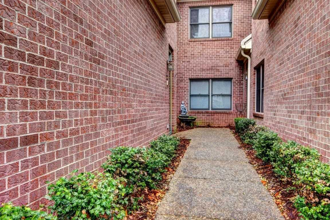 3442 Hurstbourne Ridge Blvd Louisville KY in Jefferson County - MLS# 1496925   Real Estate Listings For Sale  Search MLS Homes Condos Farms Photo 1