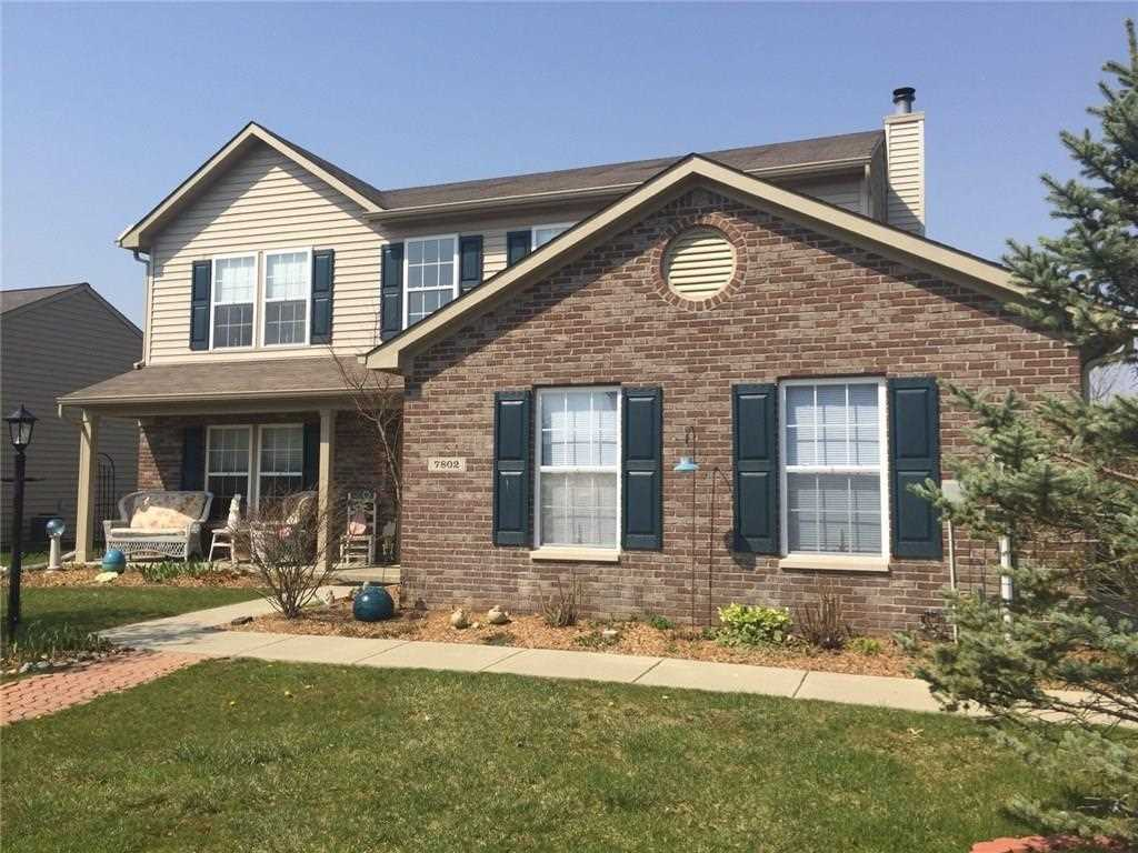7802 Valley Stream Drive Indianapolis, IN 46237 | MLS 21558582 Photo 1