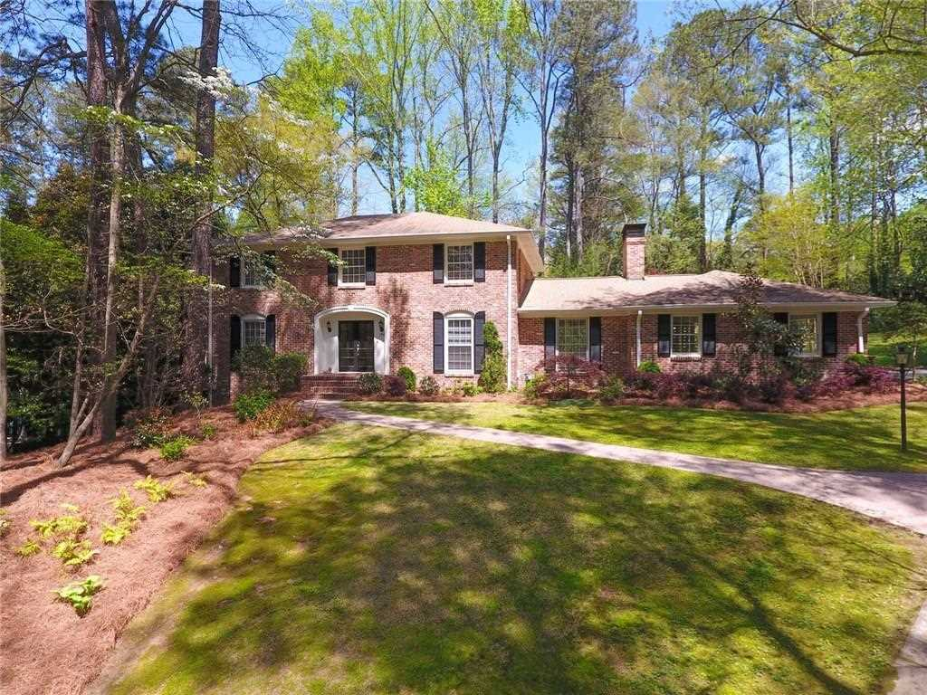 1961 Continental Dr NE is a homes for sale located in the Briarcliff Woods community of Atlanta Photo 1