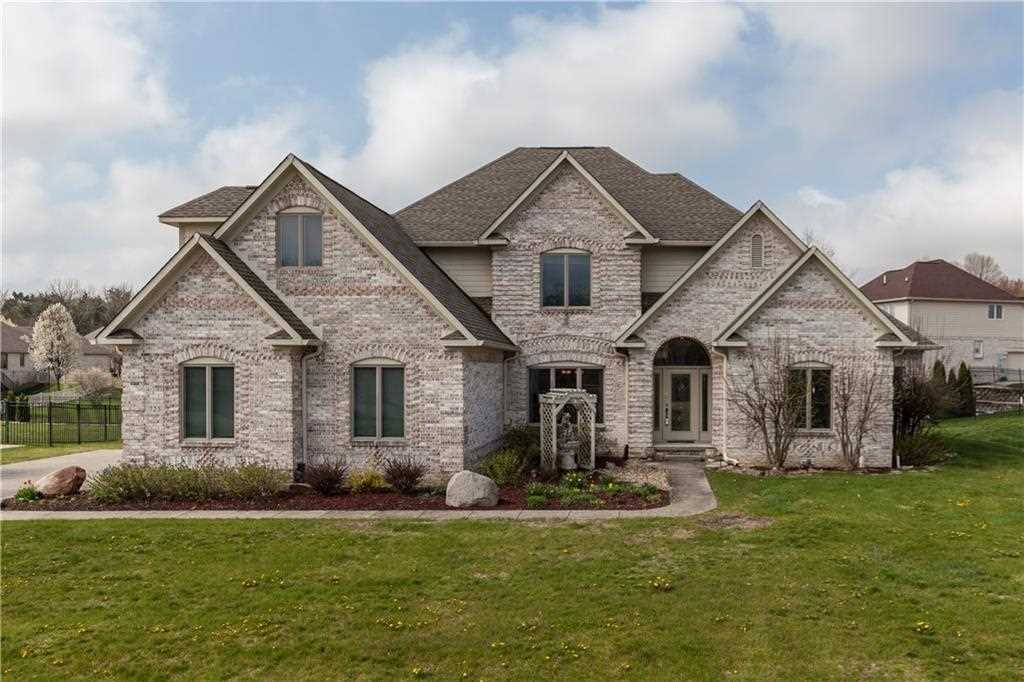 725 Willow Pointe North Drive Plainfield, IN 46168 | MLS 21560438 Photo 1