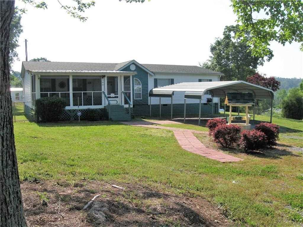 Beautiful 2004 Double Wide Manufactured Home Home Is On A