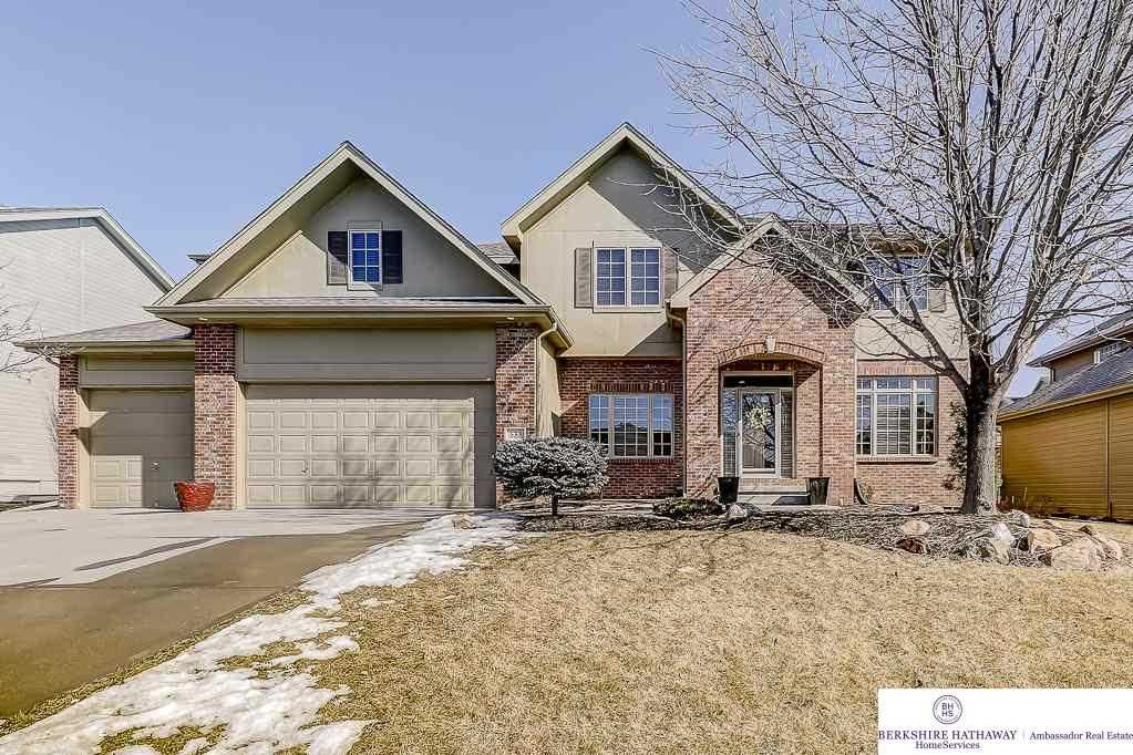 533 S 196 Omaha, NE 68022 | MLS 21802800 Photo 1