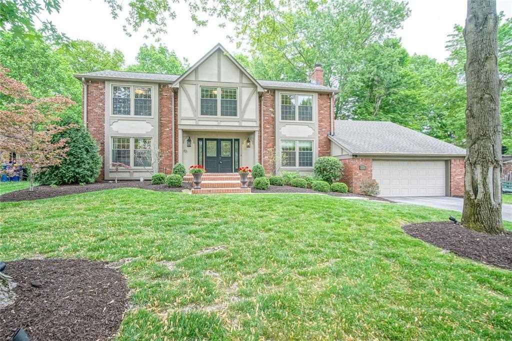7229 Dover Court Indianapolis, IN 46250 | MLS 21567599 Photo 1