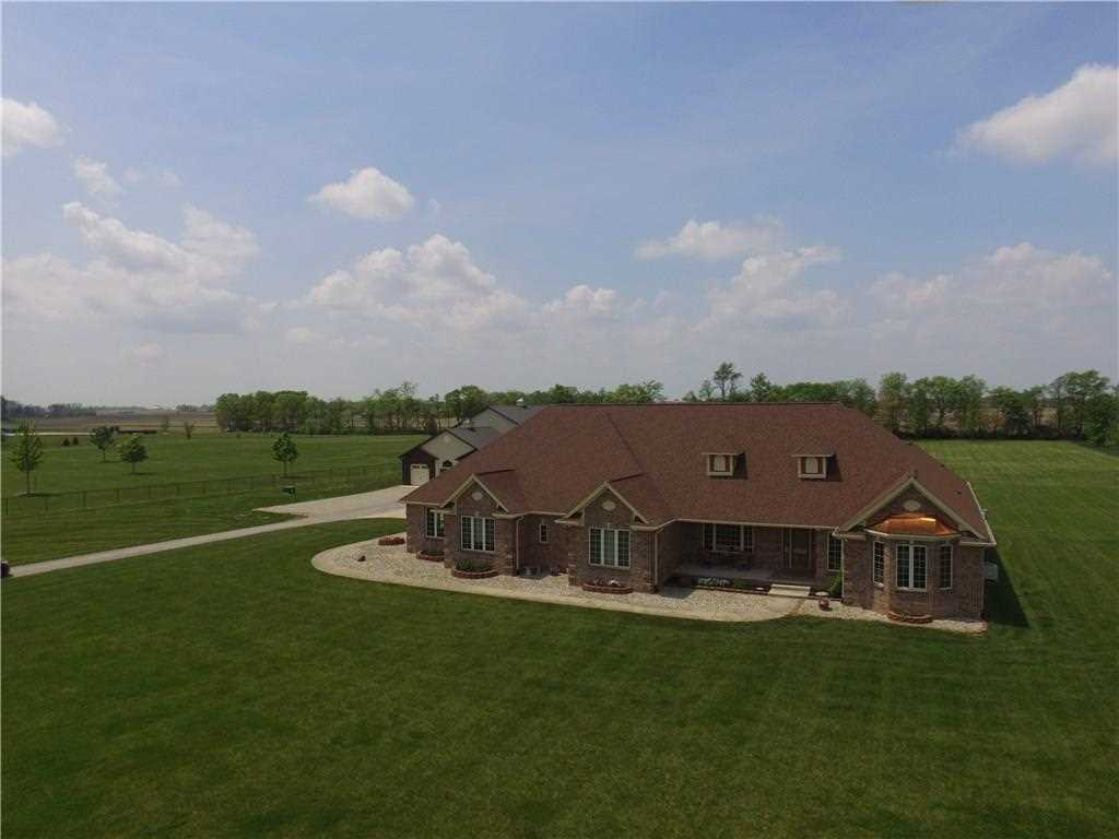 1016 S Nay Road Greenwood, IN 46143 | MLS 21569604 Photo 1