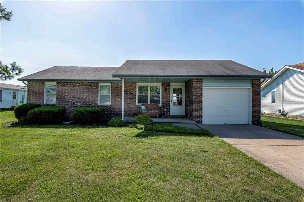 725 Barbara Drive Rushville, IN 46173 | MLS 21569990 Photo 1