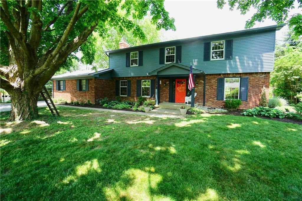 5718 E 75th Street Indianapolis, IN 46250 | MLS 21570868 Photo 1