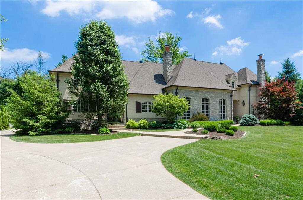 7905 High Drive Indianapolis, IN 46240 | MLS 21571616 Photo 1