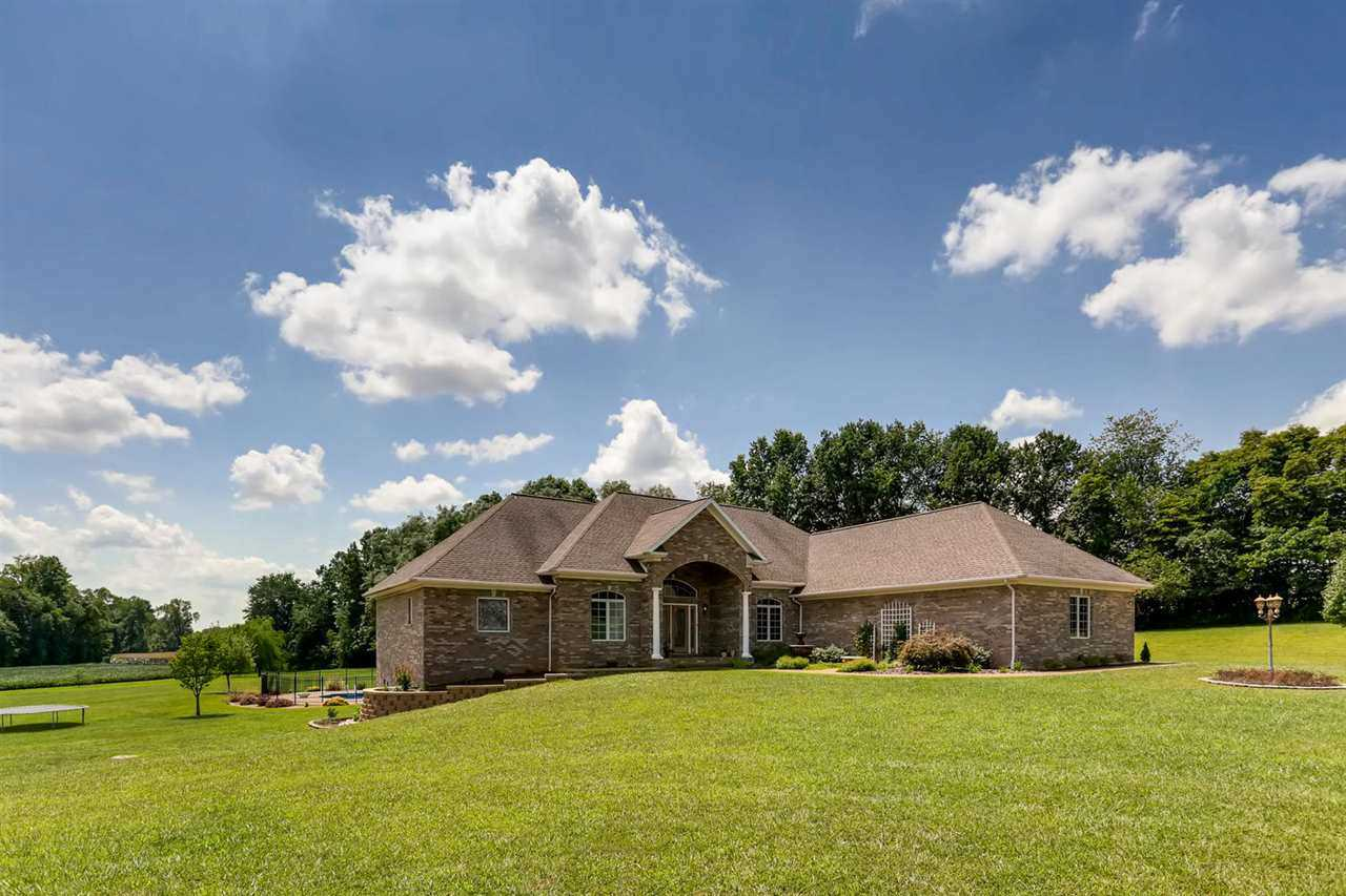 8919 Old Country Way Evansville, IN 47720 | MLS 201737107 Photo 1