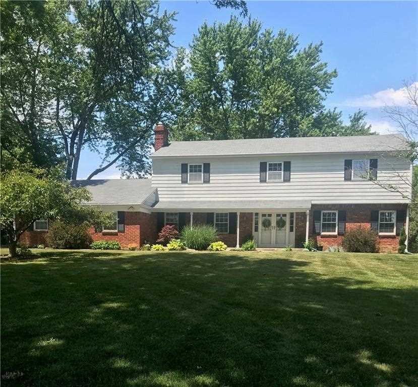452 W 83Rd Street Indianapolis, IN 46260 | MLS 21545912 Photo 1