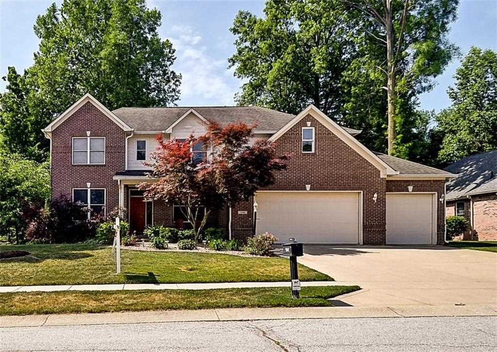 7849 E Shady Woods Drive Indianapolis, IN 46259 | MLS 21572355 Photo 1
