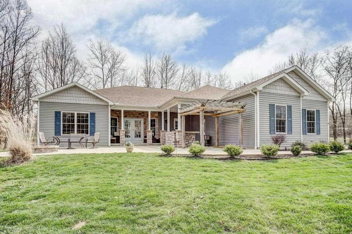 8358 Manitou Drive Westerville, OH 43081 | MLS 218011939 Photo 1